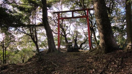 4.第3鳥居関尻浅間山.jpg