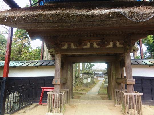 5.鹿野寺の門.jpg