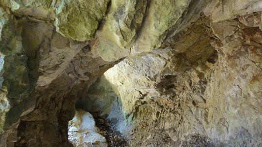 11.洞窟.jpg
